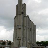 eglise royan.jpg